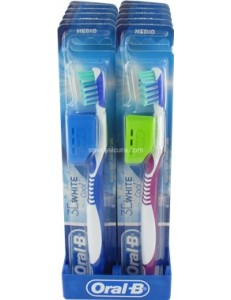 ORAL B WHITE & COOL 35 MEDIO SPAZZLINO